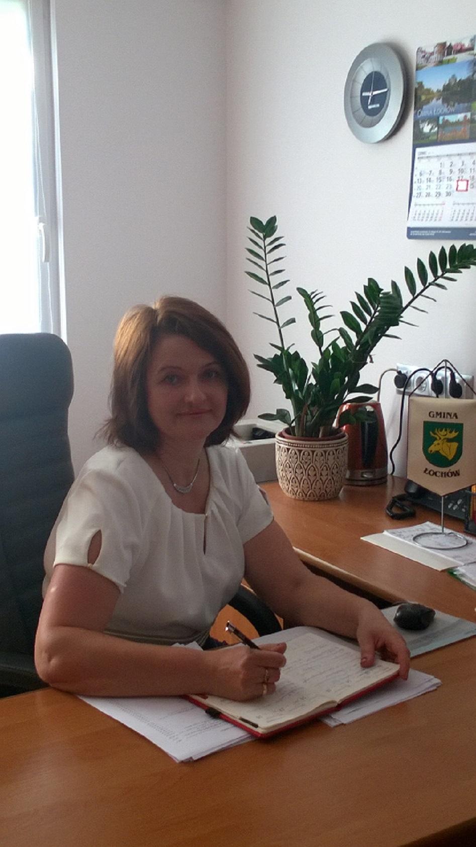 Skarbnik Gminy Łochów - Maria Komuda